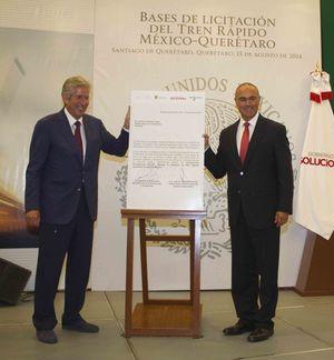 Gov. Jose Calzada Rovirosa and Secretary Gerardo Ruiz Esparza